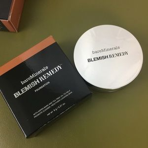 bareMinerals Makeup - Bare Mineral Lot 2 blemish remedy clearly almond